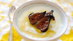 http://www.stonyfield.com/blog/yogurt-toppings-breakfast/